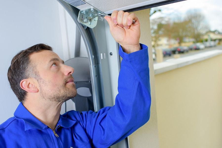 How The Professionals Install Garage Doors